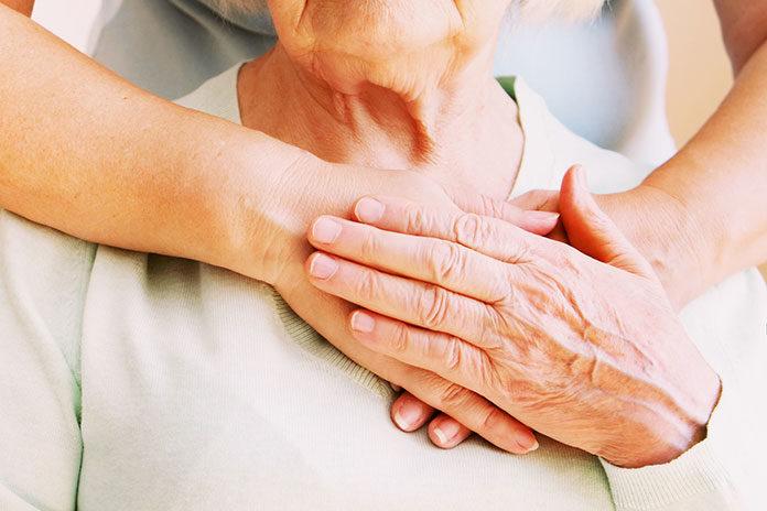 Opiekujesz się osobą z NTM? Poznaj pieluchomajtki dla dorosłych i inne akcesoria!