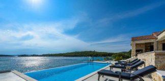 Dlaczego warto wyczarterować jacht w Chorwacji?