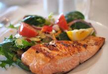 Smażenie ryb: jak usmażyć filet, a jak całą rybę